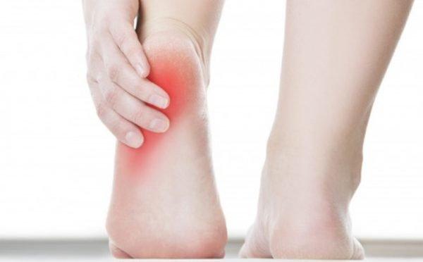 Chia sẽ bí quyết bảo vệ đôi chân khi đi giày
