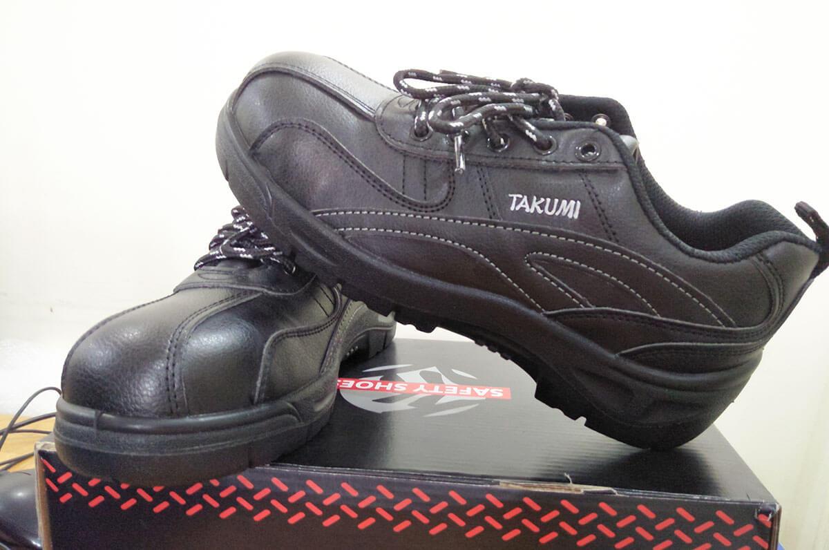 Sự an toàn của giày bảo hộ Takumi