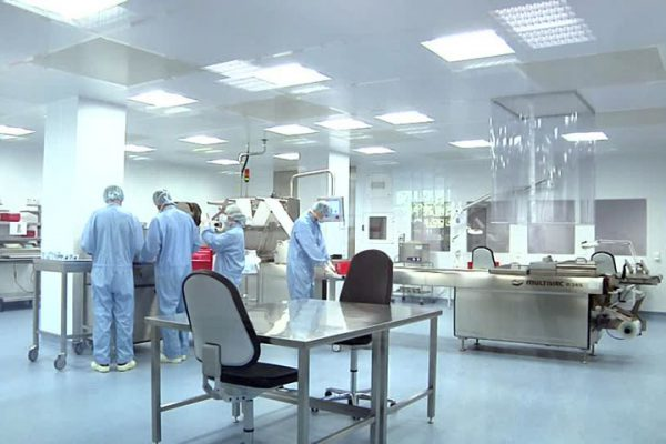 Tìm hiểu về đồ bảo hộ lao động trong phòng sạch