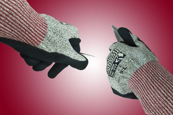 Những suy nghĩ sai lầm về găng tay chống cắt gây nên hậu quả nghiệm trọng