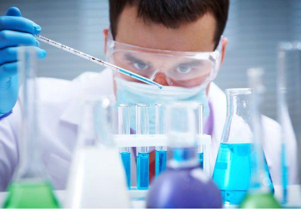 Trang thiết bị bảo hộ lao động cần có trong phòng thí nghiệm
