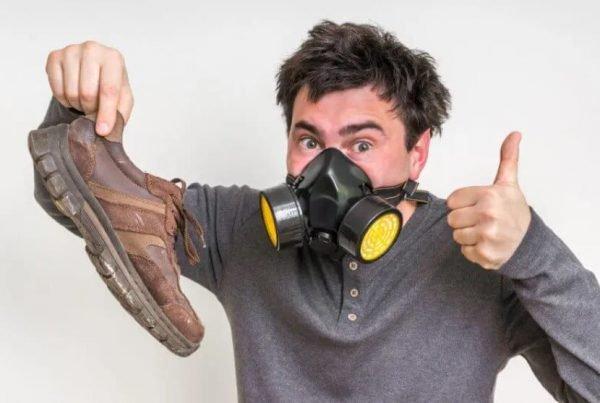 10 mẹo hay giúp xử lý hút ẩm và khử mùi hôi cho giày vô cùng đơn giản và hiệu quả mà ai cũng cần biết khi đi giày