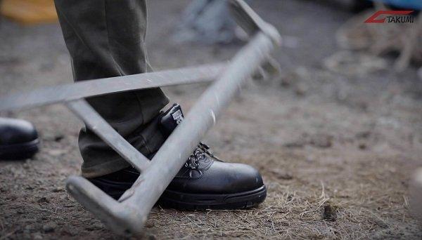 10 lý do hàng đầu để trang bị giày bảo hộ chống va đập khi làm việc